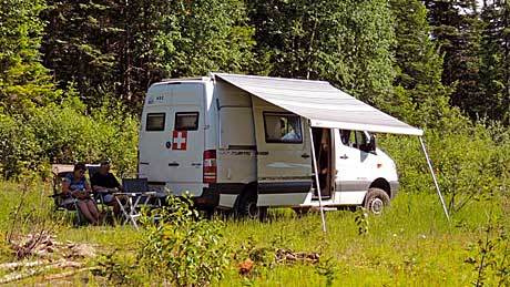 Reisemobil Sprinter in der Wildnis
